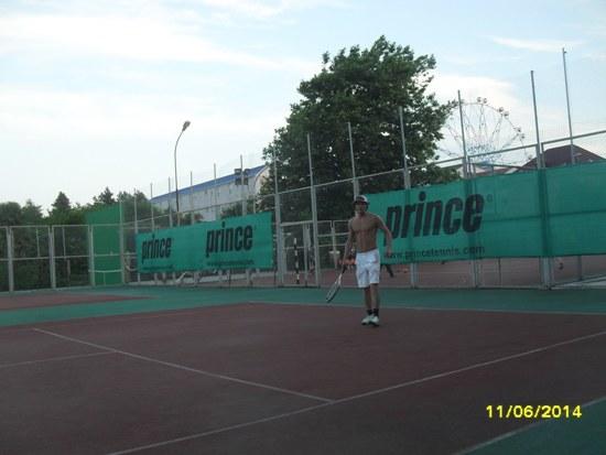 Теннисные корты п. Лазаревское, вечер