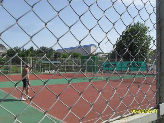 Теннисные корты п. Лазаревское